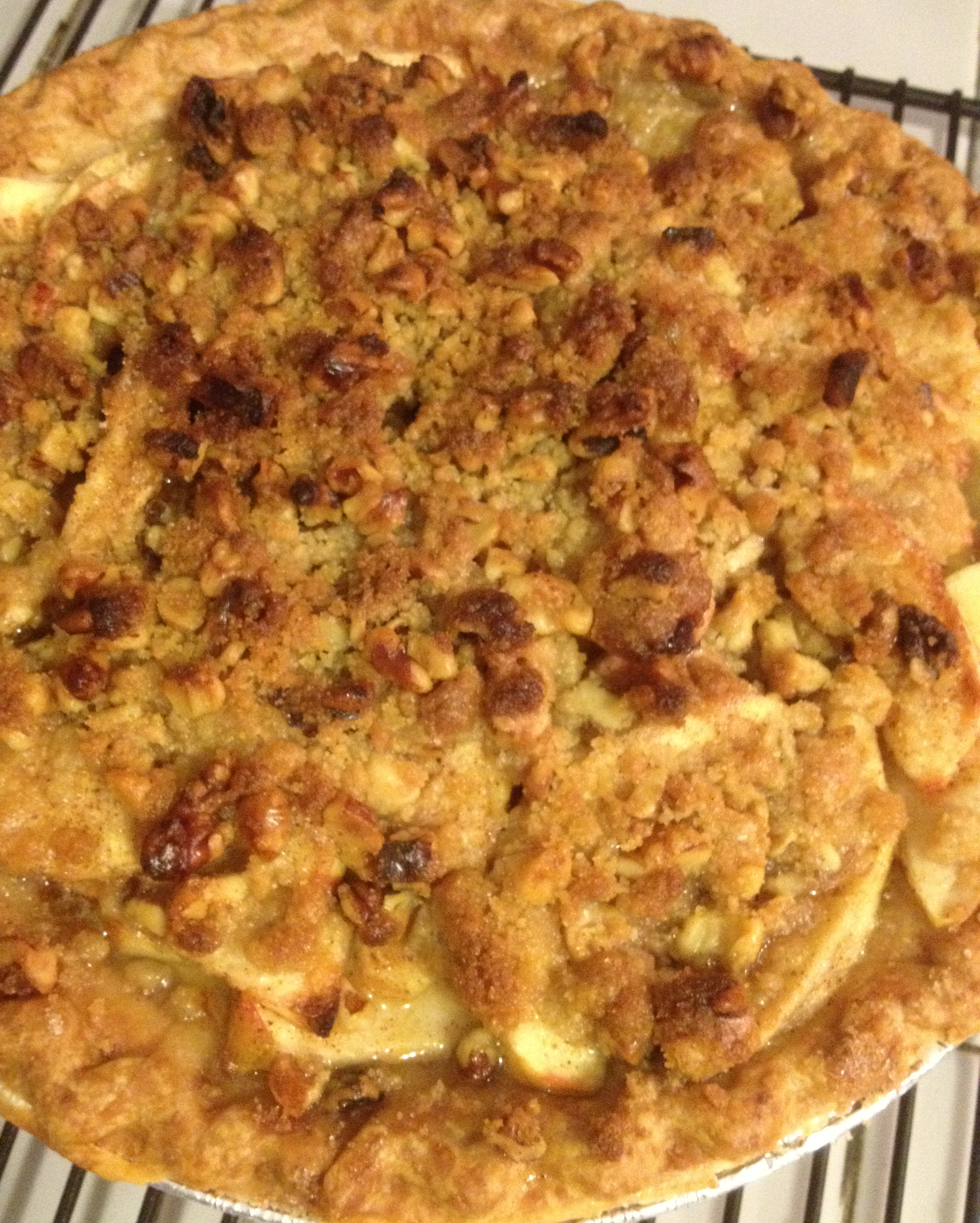 Apple Crumb Pie | Such a Little Baker